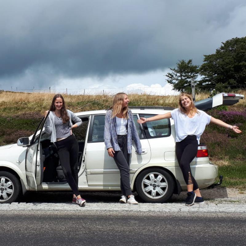 Mädchen Auto