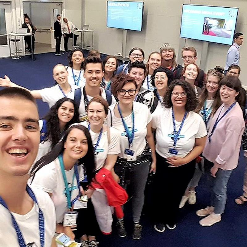 Gruppenfoto aller Teilnehmenden