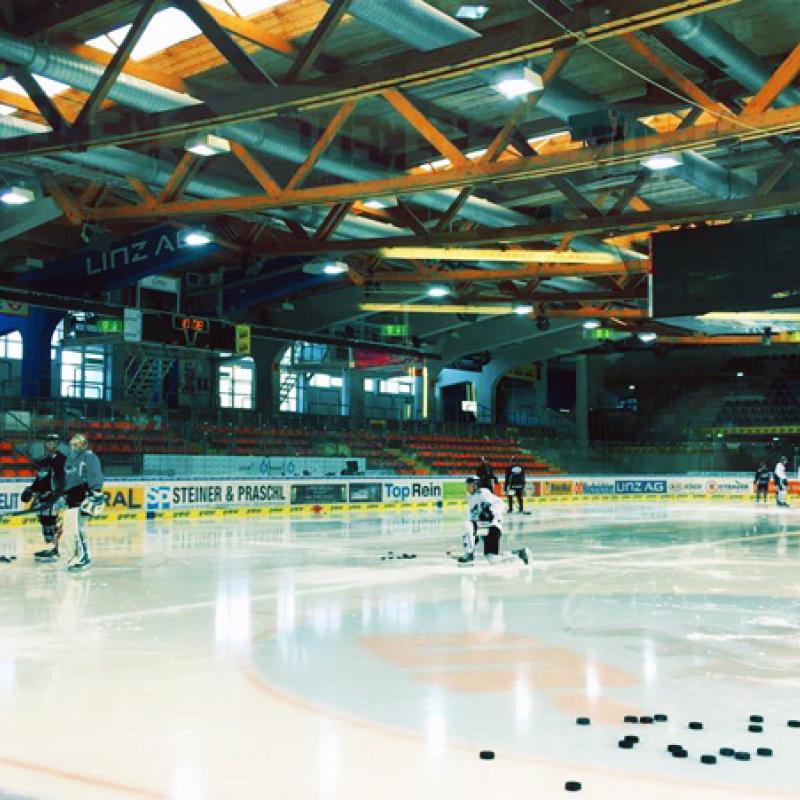 Eishockeyhalle