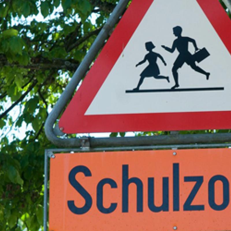 Verkehrszeichen Schulzone
