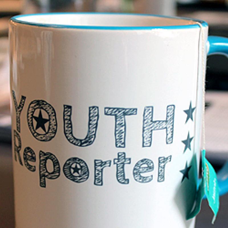 Youth Reporter Logo auf Häferl